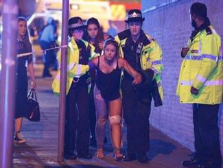 英国曼彻斯特爆炸已致22人遇难 警方确认嫌犯身份:22岁青年