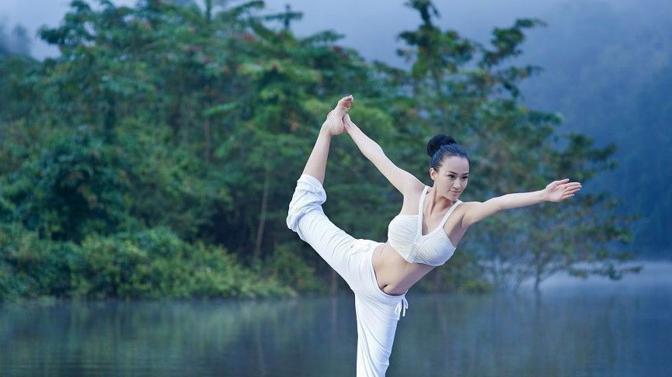 考瑜伽教练证 瑜伽教练培训机构排?