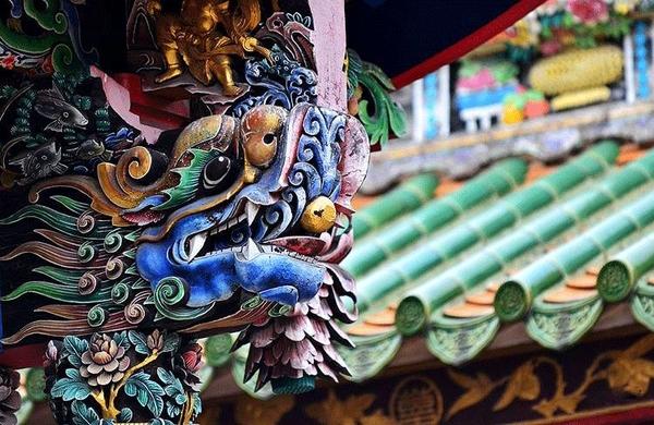 一阳梓 摄」 和潮州木雕,潮州石雕 并称潮州古建筑三大装饰工艺 它是