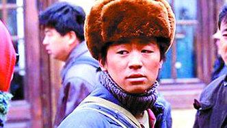 王宝强曾做搬砖工 一月只赚一百块