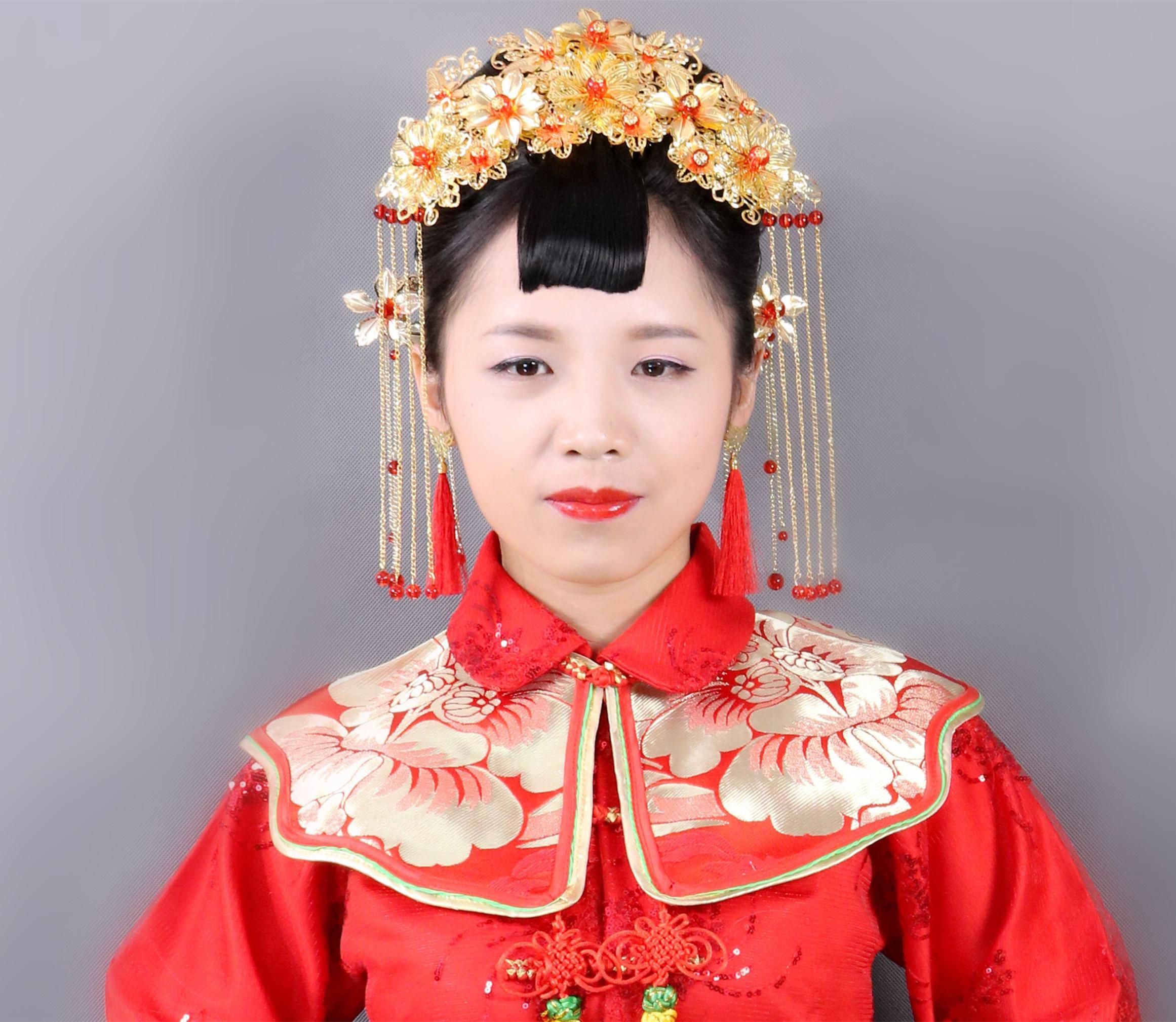中式复古秀禾服新娘发型