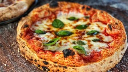 醒面24小时,传统燃木烤箱的意大利披萨,正宗的味道平底锅也能做!