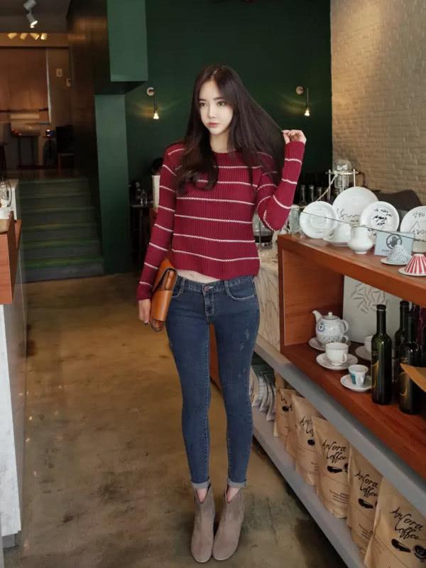 清清爽爽的还显腿长,打底裤的贴身设计显女人的S型身材插图