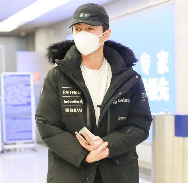 """男生冬日""""王炸""""搭配,穿這5套造型時尚又保暖,輕松顯出帥氣感"""