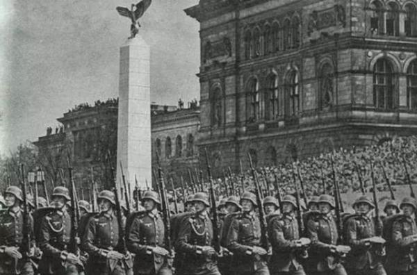 神武dnf私服压倒小胡子希特勒的最后一根稻草,其实是好朋友墨索里尼的死讯