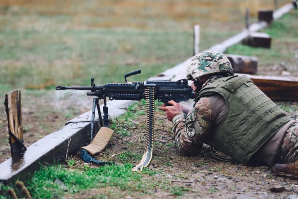 格魯吉亞軍隊射擊訓練,美國援助的機槍,但已被一線部隊淘汰