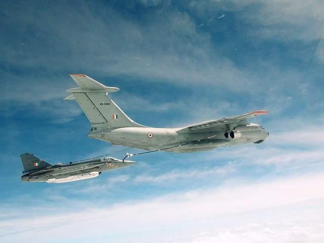 印度號稱國產的光輝戰鬥機,實際上是6個國傢聯合生產的
