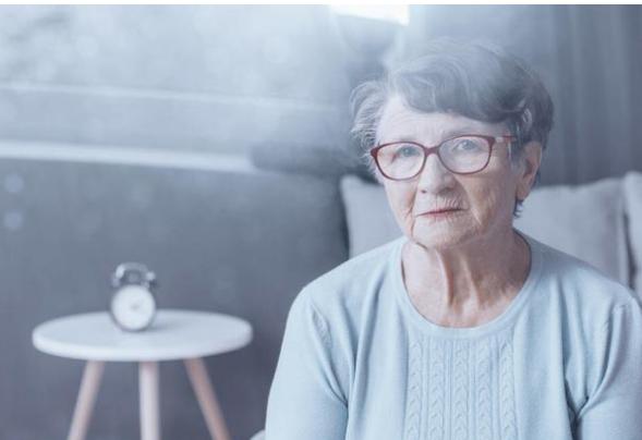 68歲大娘深夜搬離大爺傢:別傻瞭,老年人再婚並非你想象的那麼好