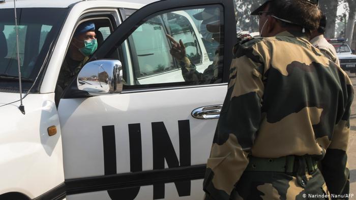 聯合國車輛遭伏擊後,巴鐵總司令視察前線,對印度下戰書警告