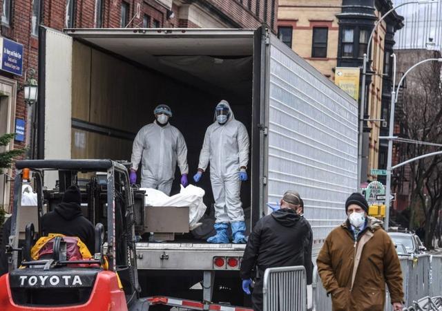 局勢已經千鈞一發!美國加購大量裹屍袋,真實死亡或不止當前數字