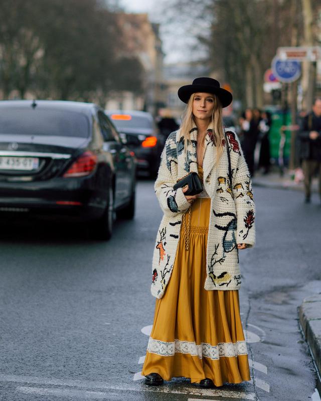 秋冬的毛衣選哪款?今年更流行這幾樣,保暖時尚兩不誤