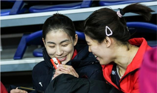 李盈瑩還是個孩子,刁琳宇都原諒她瞭,為何有極端球迷讓她退役?