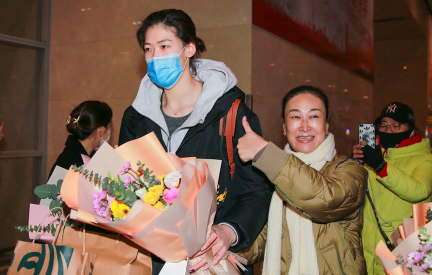 李盈瑩缺席女排慶功會後,天津電視臺為她制作短片,致敬城市英雄