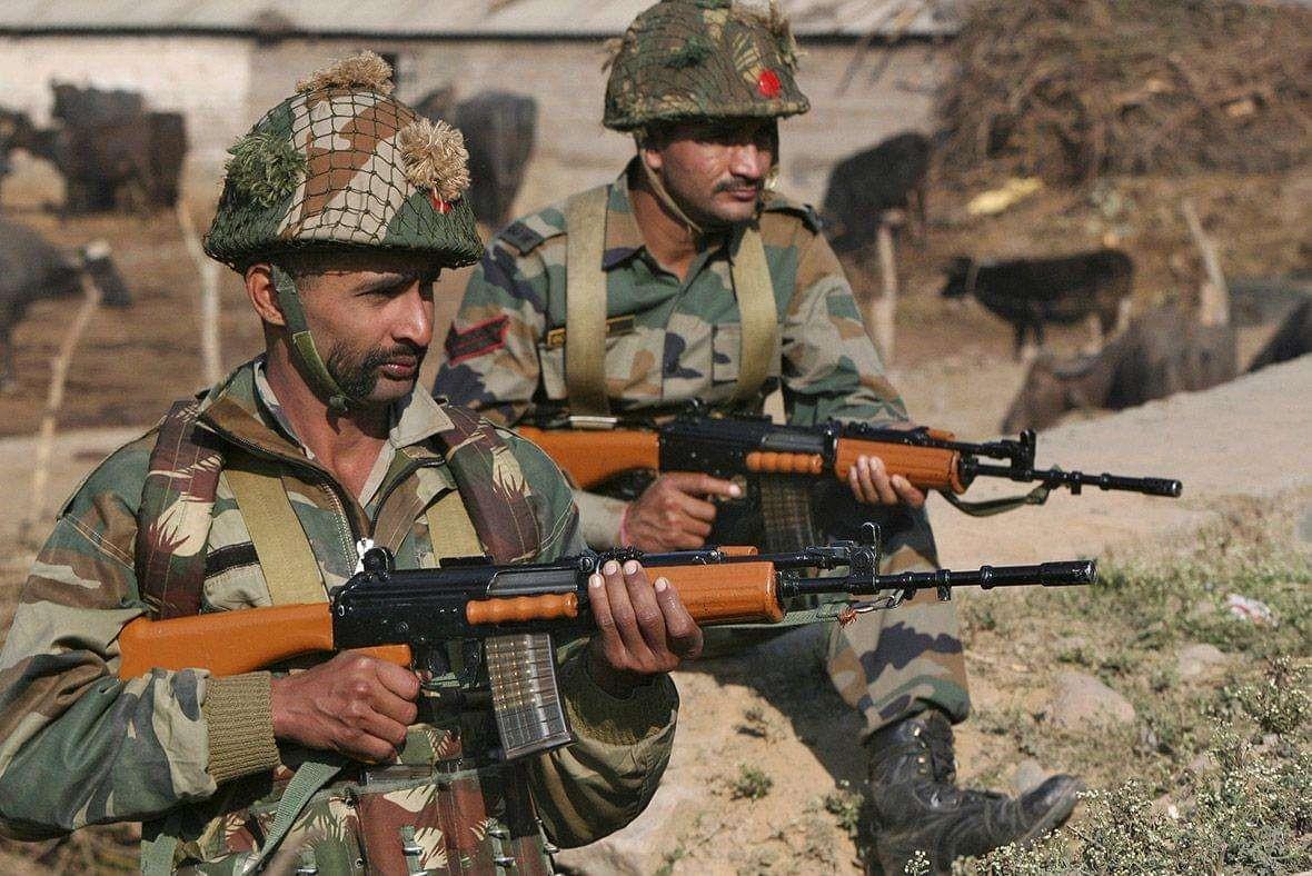 印度突破最後底線,大批部隊調往邊境後,狙擊手向聯合國人員開火