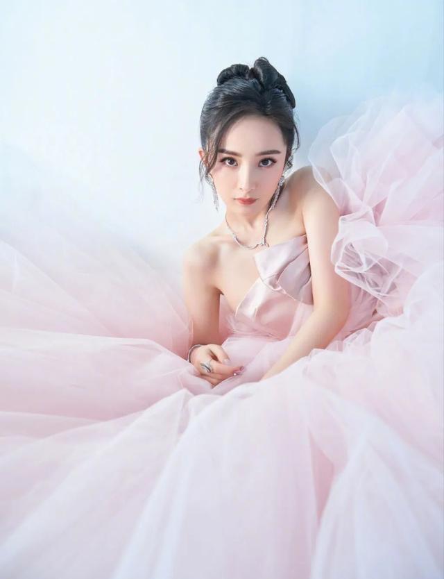 她吳彥祖的夢中情人,讓大S自嘆不如,53歲還能吊打小花?