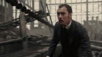 大侦探福尔摩斯 大块头举锤砸人 铁链横飞险死还生