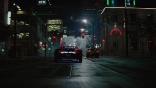 小丑夫妇路上飙车 蝙蝠侠出场准备收拾这俩货