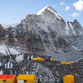 新冠侵尼泊尔珠峰大本营