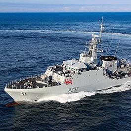 英法两国互派军舰对峙