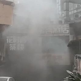 重庆一大厦突发爆炸