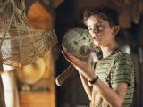 《亚瑟和他的迷你王国》片段:亚瑟轻松拔出石中剑,小英雄诞生!