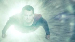 超人撞击氪星飞船