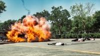 履带坦克车瞬间毁灭一个战队,看的人热血沸腾