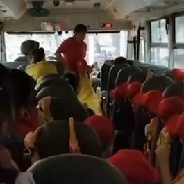 校车司机暴力拖拽小学生