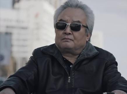 《老兽》香港版预告 内蒙老炮儿诠释困兽生存法则