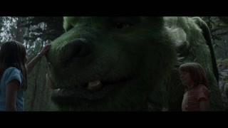 娜塔莉触碰彼得的龙