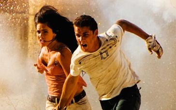 《变形金刚2》电视宣传片 拉博夫携梅根沙漠狂奔