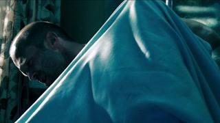 《怒火攻心2》手术台上他突然起来把医生打了!