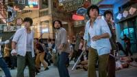 跛豪街头茬架被捕引来大批记者围观,华仔一声吼众人?#36861;追?#19979;相机