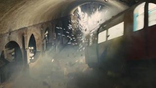 地铁从天而降