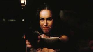 女子现场示范打手枪