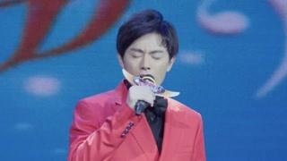 《温暖的村庄》王一鸣唱歌渲染力强比赛现场氛围高涨 唱的可以啊