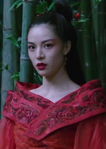 """《神探蒲松龄》""""钟情你""""特辑 钟楚曦红裙造型大气惊艳"""