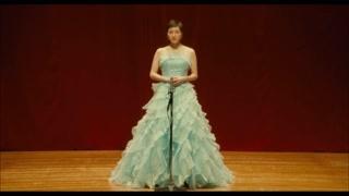 千惠在她人生的最后时刻里终于又开心的登台演唱