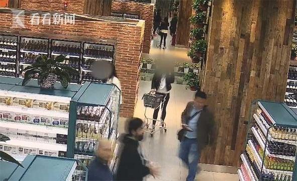 俩女子逛超市互相掩护 偷走4000元海参
