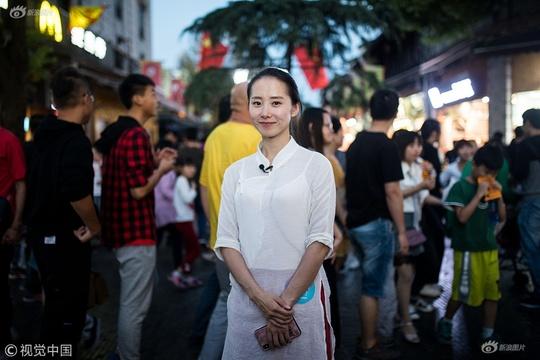 """90后美女""""網約導游""""兩年在杭州買了兩套房"""