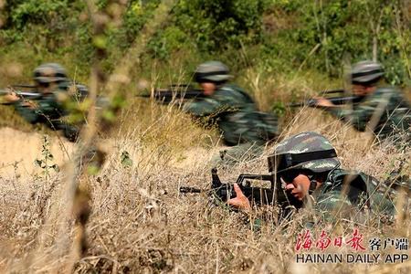 海南三亚:武警野外驻训谋打赢