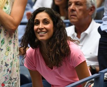 纳达尔勇夺美网第4冠 家人包厢振臂高呼庆祝