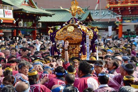 """声势浩大!日本迎""""令和""""时代首个神田祭"""