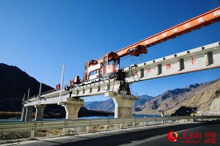 拉林铁路完成第二次跨越雅鲁藏布江
