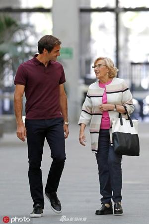 马德里市长会见费德勒