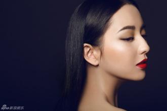 组图佟丽娅红唇魅惑写真大片