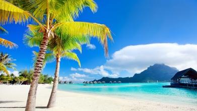 波拉波拉蓝色天空海滩风景