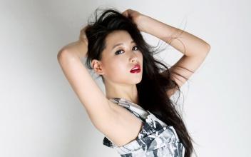 美女演员宁丹琳夏日写真壁纸精选 10