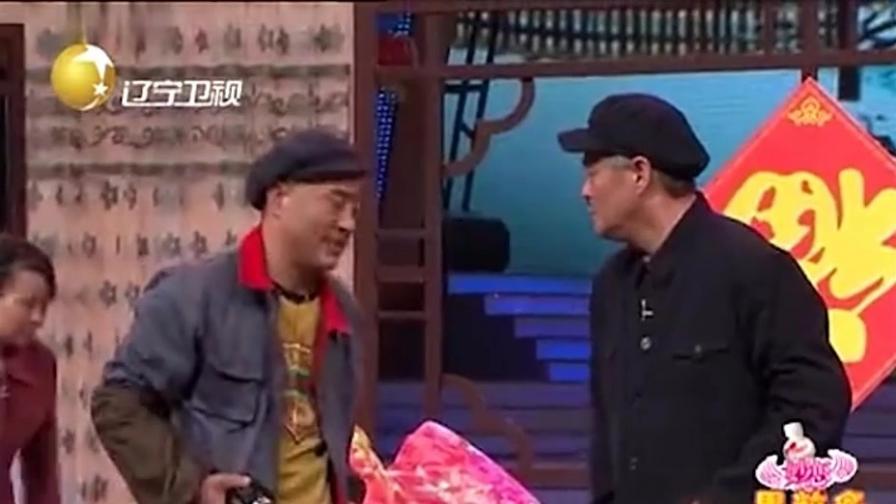 生日快乐:赵四采访赵本山,赵本山被俩夫妻安排的明明白白