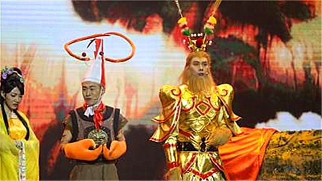 """欢乐喜剧人:艾伦演绎""""大马猴""""与王宁对峙引爆笑"""